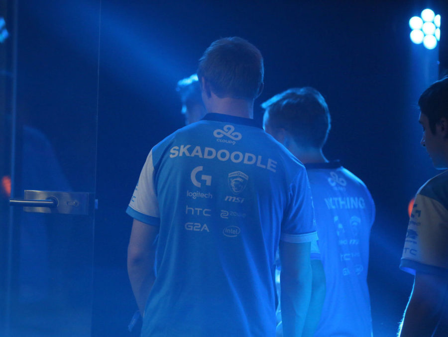 theScore esports Daily (Oct. 16): Skadoodle retires from pro play, ex-Space Soldiers comment on contract issues and Fnatic reportedly interested in Brollan