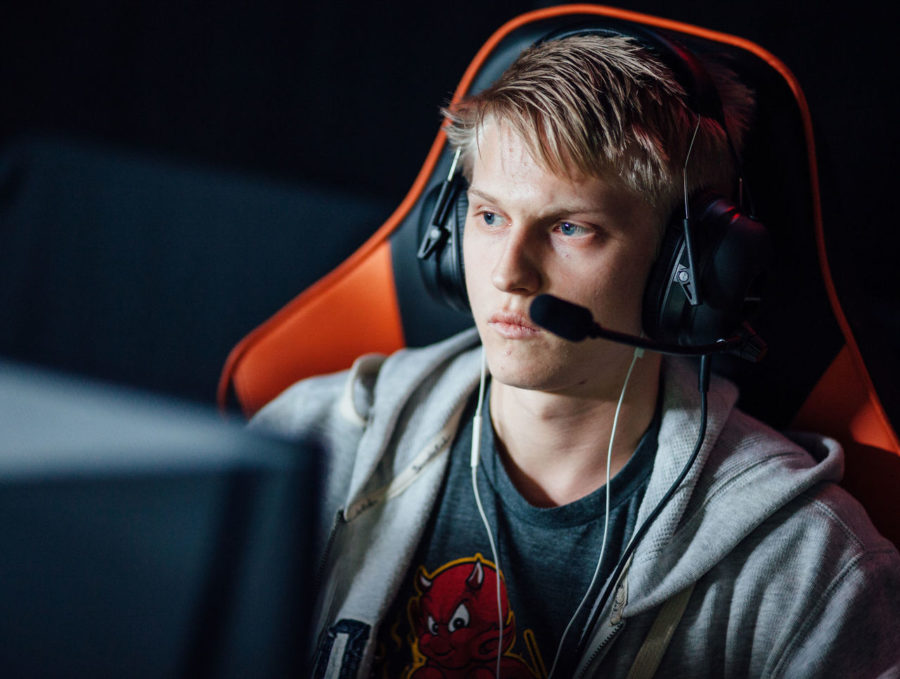 theScore esports Daily (Nov. 27): Pajkatt joins OG, Huni joins Clutch Gaming