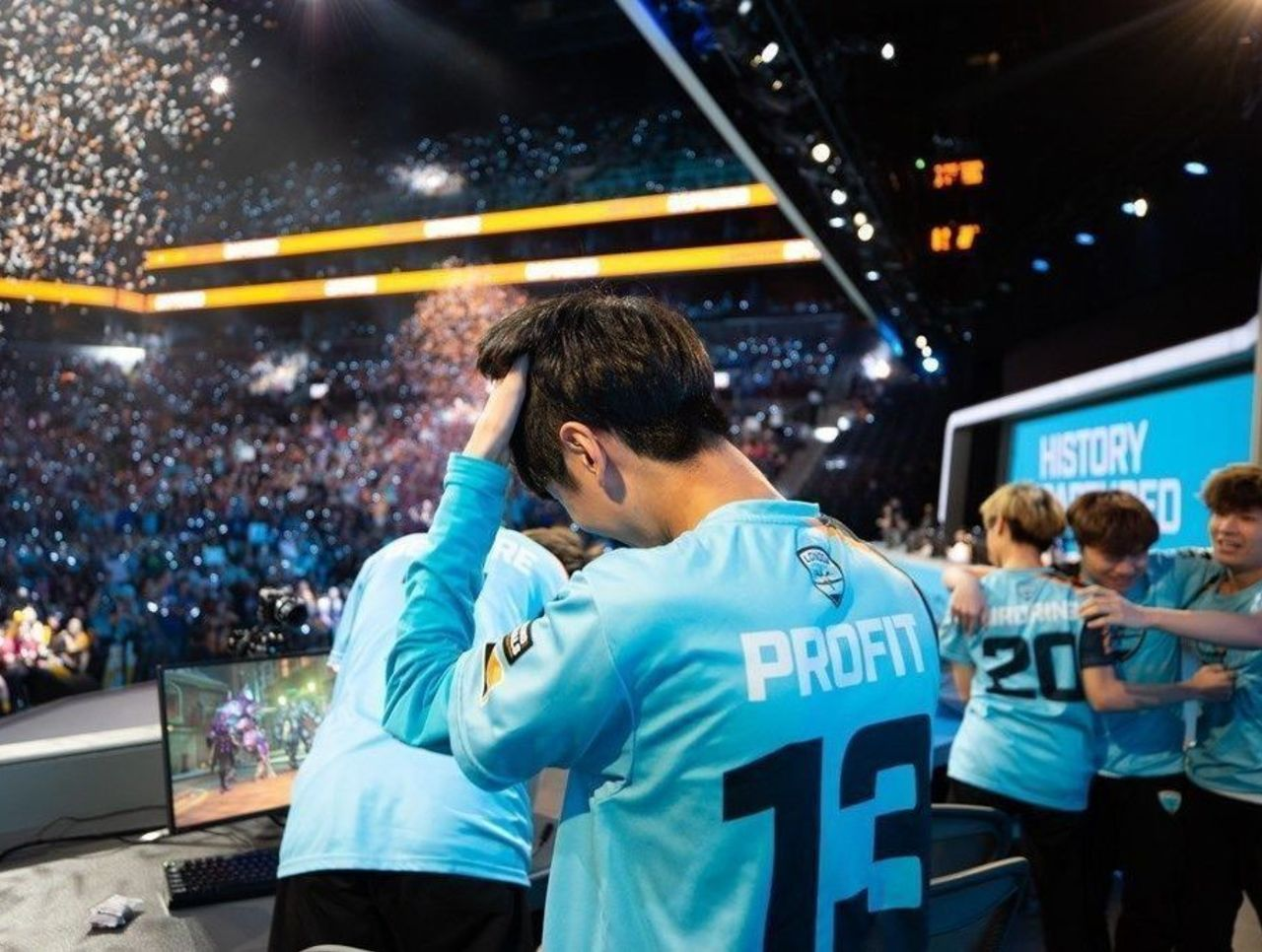 theScore esports Daily (Dec. 12): Odoamne joins Schalke 04, boltz replaces yeL in Luminosity and First Overwatch League home games to be played in 2019