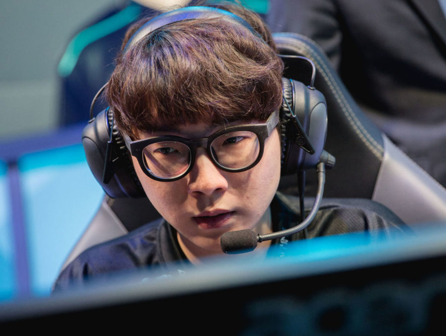 theScore esports Daily (Dec. 4): Reignover departs CLG, Valve officially bans Kuku from Chongqing and Uber to stand in for Rickeh on Rogue