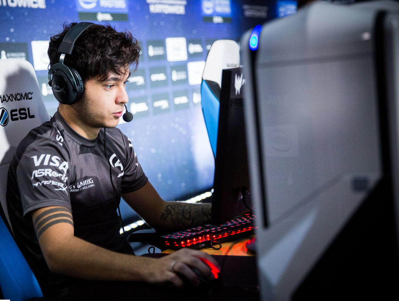 theScore esports Daily (Jan. 14): MIBR bench tarik in favor of felps, Grig diagnosed with wrist injury and C9 list Zellsis as coach for Katowice Major
