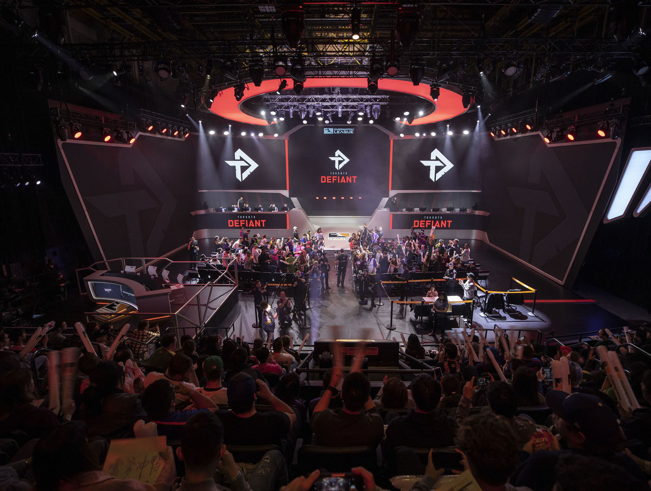 theScore esports Daily (April 4): Toronto Defiant's Stellar retires while im37 takes his place, mousesports sign Rejin as new CS:GO head coach
