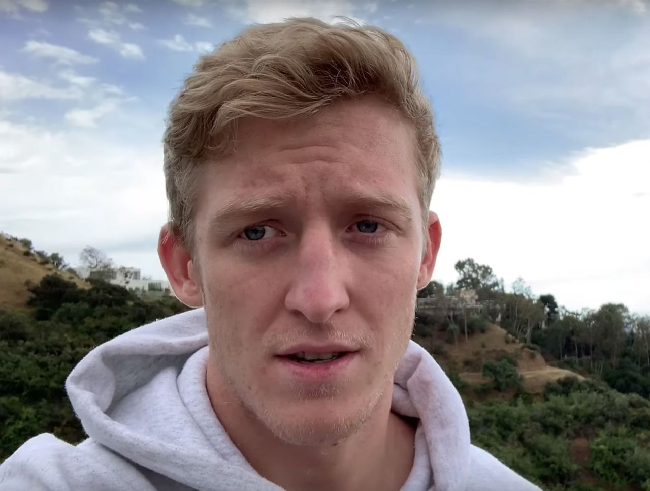 theScore esports Daily (May 23): Tfue breaks silence on FaZe Clan lawsuit, bill to ban loot boxes gains momentum in U.S. while Riot Games forced arbitration situation develops